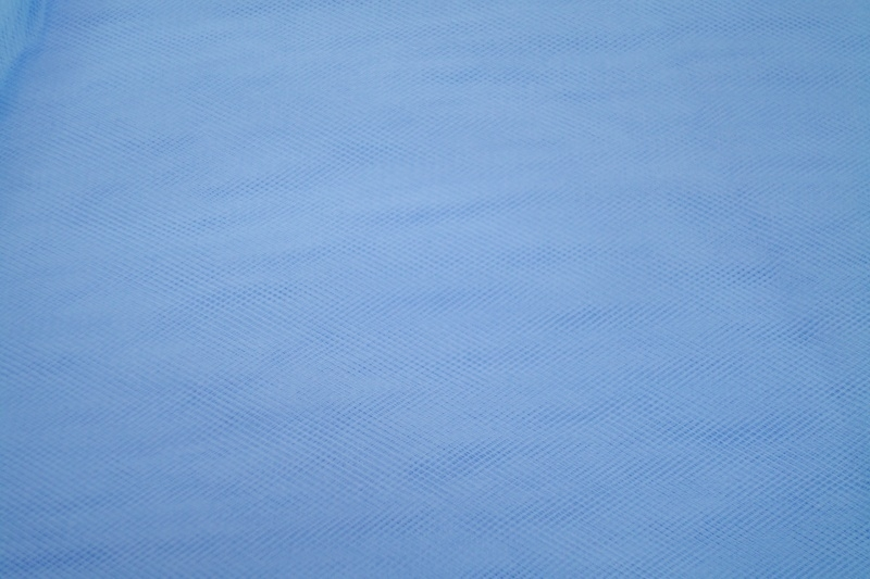 Bruidstule kleur baby blauw  300 cm breed € 3,00 per meter Art BR012