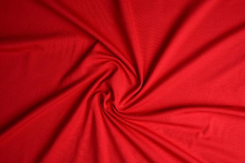Tricot uni 155 cm breed kleur rood  € 5,50 p/meter Art -056