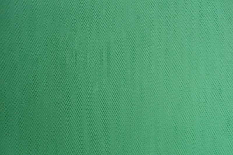 Tule Light green 140 cm breed groot verpakking 40 meter 1,00 euro per meter ART T36