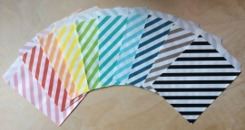 5 Gift Bags  OBLIQUE STRIPES, 13 by 16,5 cm, by color