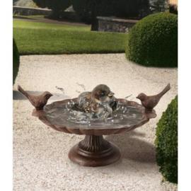 Gietijzeren Vogelbad vogelschaal op voet met 2 vogeltjes