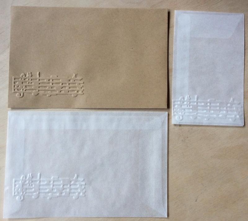 MUZIEK 10  Pergamijn enveloppen en bruine loonzakjes