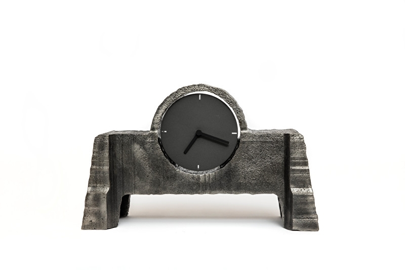 Cut-out regular clock