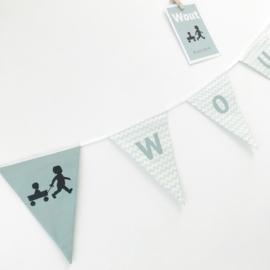 Naamslinger passend bij een geboortekaartje (per vlaggetje)