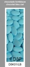 chocolade dragees ovaal licht blauw 0,5 kg
