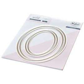 Essentials Die Set Blanket Stitched Oval
