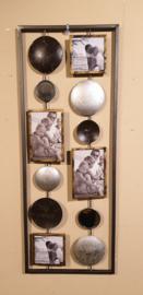 Metalen wandobject met fotolijsten