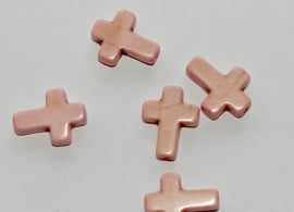 Roze keramische kruisjes met licht craquele 12x16 mm