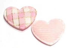 Applicatie hartje geruit met gouddraad roze (10AP00144)