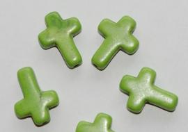 Groene keramische kruisjes met licht craquele 12x16 mm