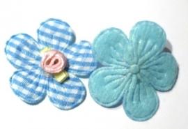 Applicatie bloem met satijn roosje geruit blauw (10AP00142)