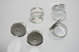 Metalen ring met plakvlak van 18 mm