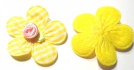 Applicatie bloem met satijn roosje geruit geel (10AP00140)