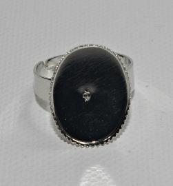Metalen ring met ovaal, omlijste plakvlak 13 x 18 mm
