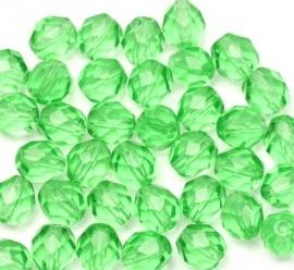 Facet ovaal licht groen 6 mm (05K000032) 10 stuks