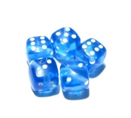 Dobbelsteen kraal blauw transparant 10 stuks