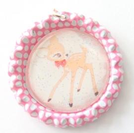 Bottle cap roze/wit met hertje