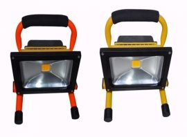 10W LED bouwlamp met accu warm wit