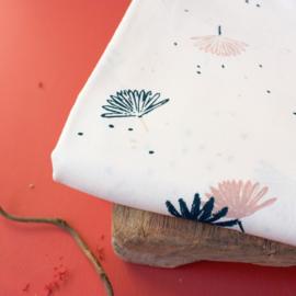 "Atelier brunette |  Viscose Lenzing ™ EcoVero ™| Tissu "" Palmetto - Off White """