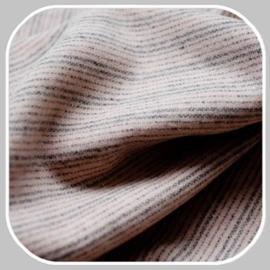 streep   lichtroze- grijs