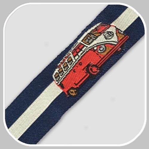 20012 volkswagenbus rood