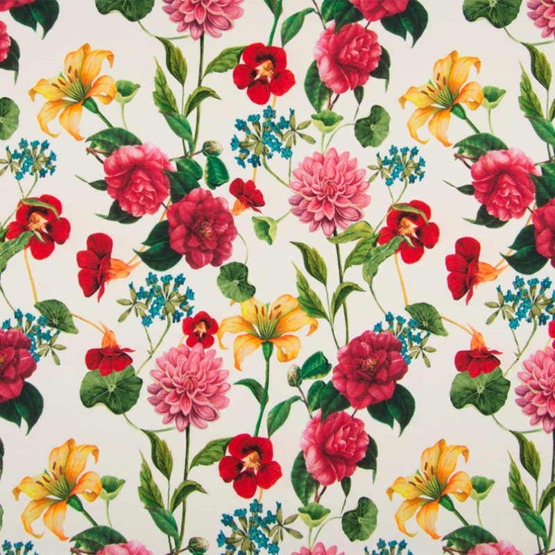 Tricot digitaal   Flowers on off white  background
