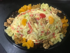 Waldorfsalade (vegetarisch) opgemaakt op schaal 2/3 personen