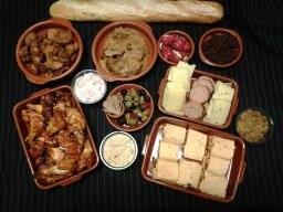 Tapas buffet, luxe hapjes bel of mail voor de mogelijkheden