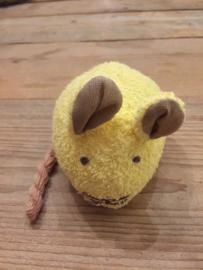 Knuffelmuis van badstof met belletje geel