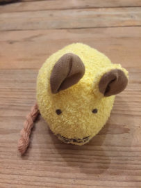 Knuffel muis van badstof met belletje geel