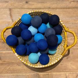Cotton Ball lichtslinger 50 ballen blauwtinten 16