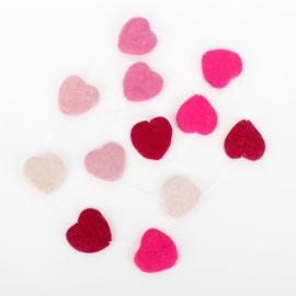 Slinger met vilten hartjes roze