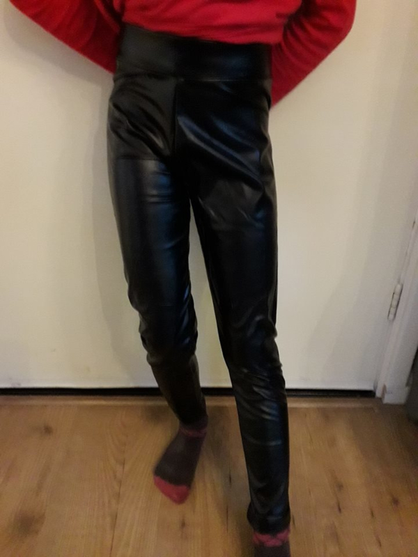 Leatherlook legging (mt 4 tm 16)