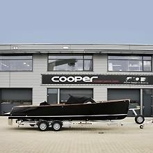 Riba trailer voor Cooper800
