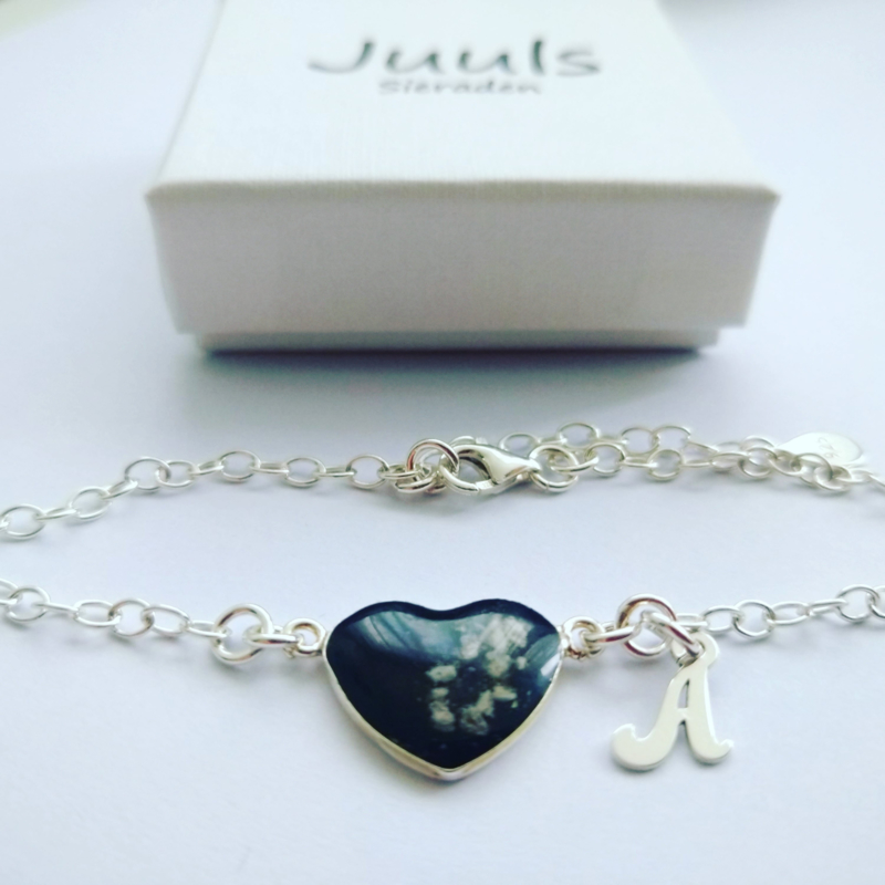 Heart of ashes dna armband