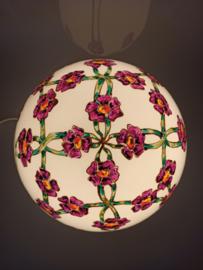 Lamp 16 groene linten paarse bloemen