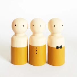 SPJ | houten pop man/jongen oker