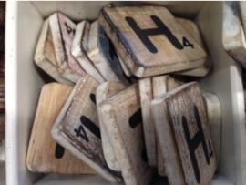 cottoncounts houten letter   Scrabble letter h