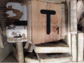 cottoncounts houten letter   Scrabble letter t