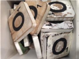 cottoncounts houten letter   Scrabble letter o