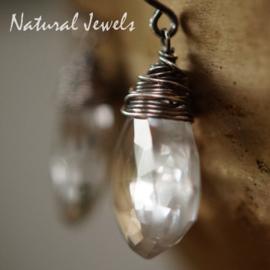 Bergkristal zilveren oorbellen