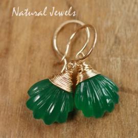 Groene edelsteen oorbelletjes  goud
