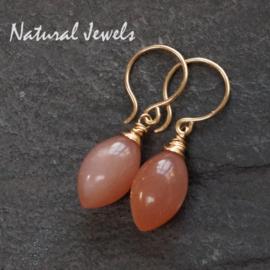 Gouden oorbellen Perzikkleurige Maansteen