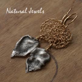 Goldfilled oorbellen Ancient silver leaves