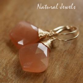 Maansteen perzikkleurig oorbellen goud