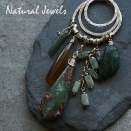 Robuuste hanger groene stenen