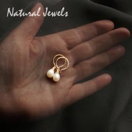 Gouden oorbellen Zoetwaterparel briolet