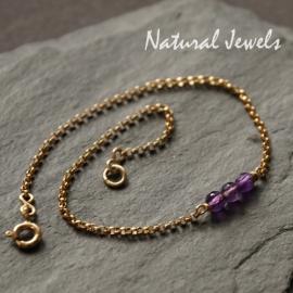 Gouden armbandje of enkelbandje met drie steentjes naar keuze