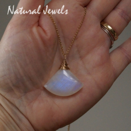 Big big Moonstone in goud