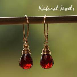 Gouden oorbellen Rode Granaat druppel
